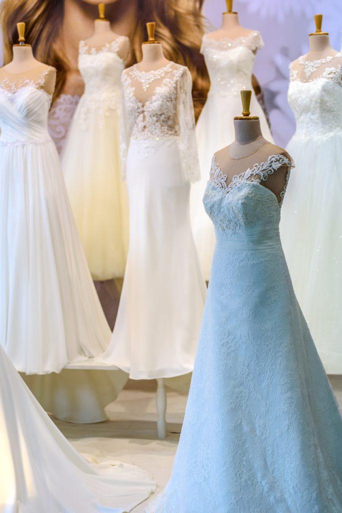 Nie tylko biały na ślub i wesele. Symbolika barw