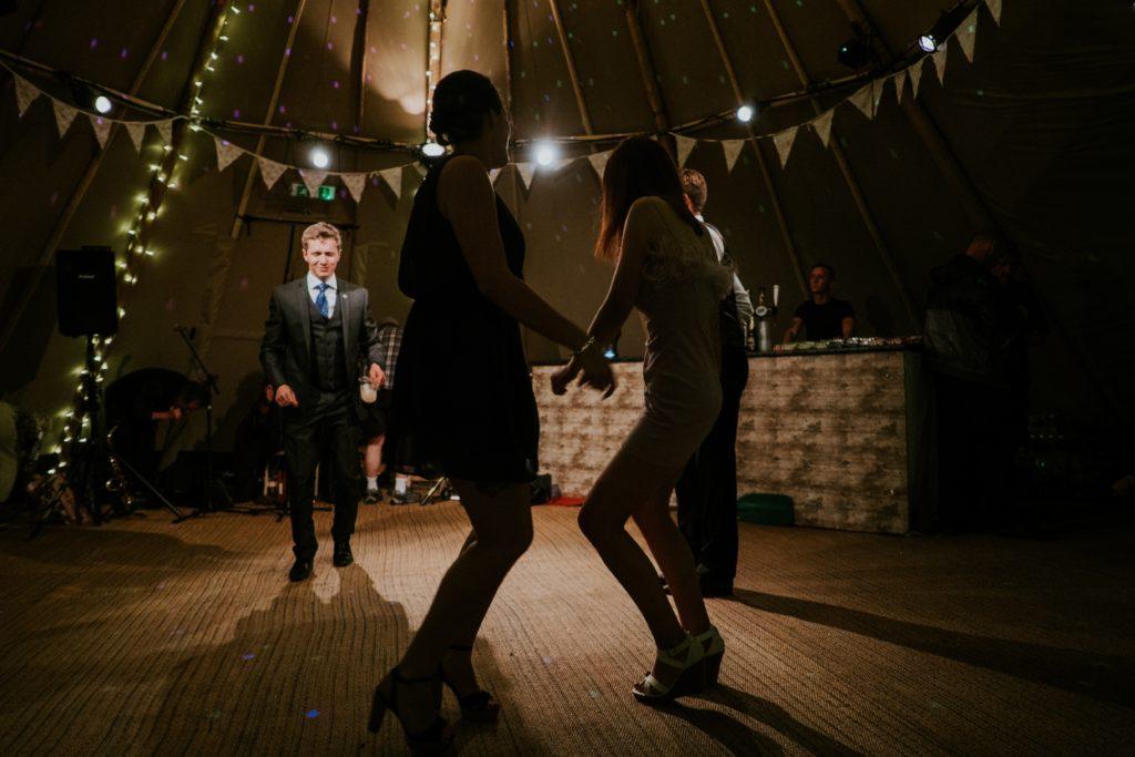 Wierzenia i magia w tradycyjnym weselu śląskim
